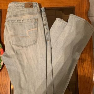 American eagle distressed skinny jeans size 2